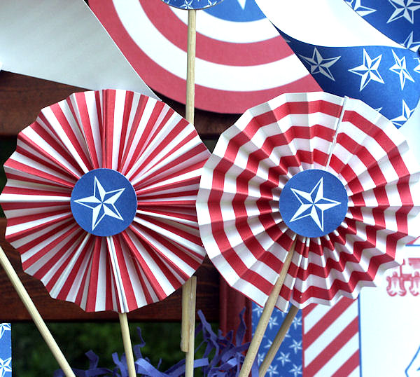 Vintage-style 4th of July party kit