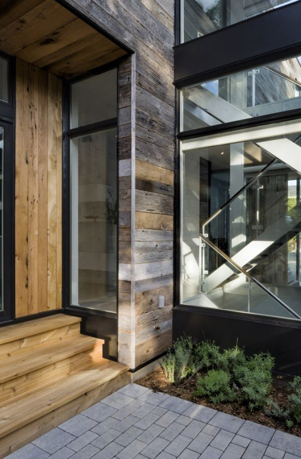 Wood, stone and glass are combined seamlessly