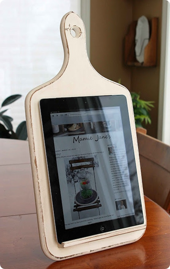 DIY kitchen tablet stand may not cost you any money