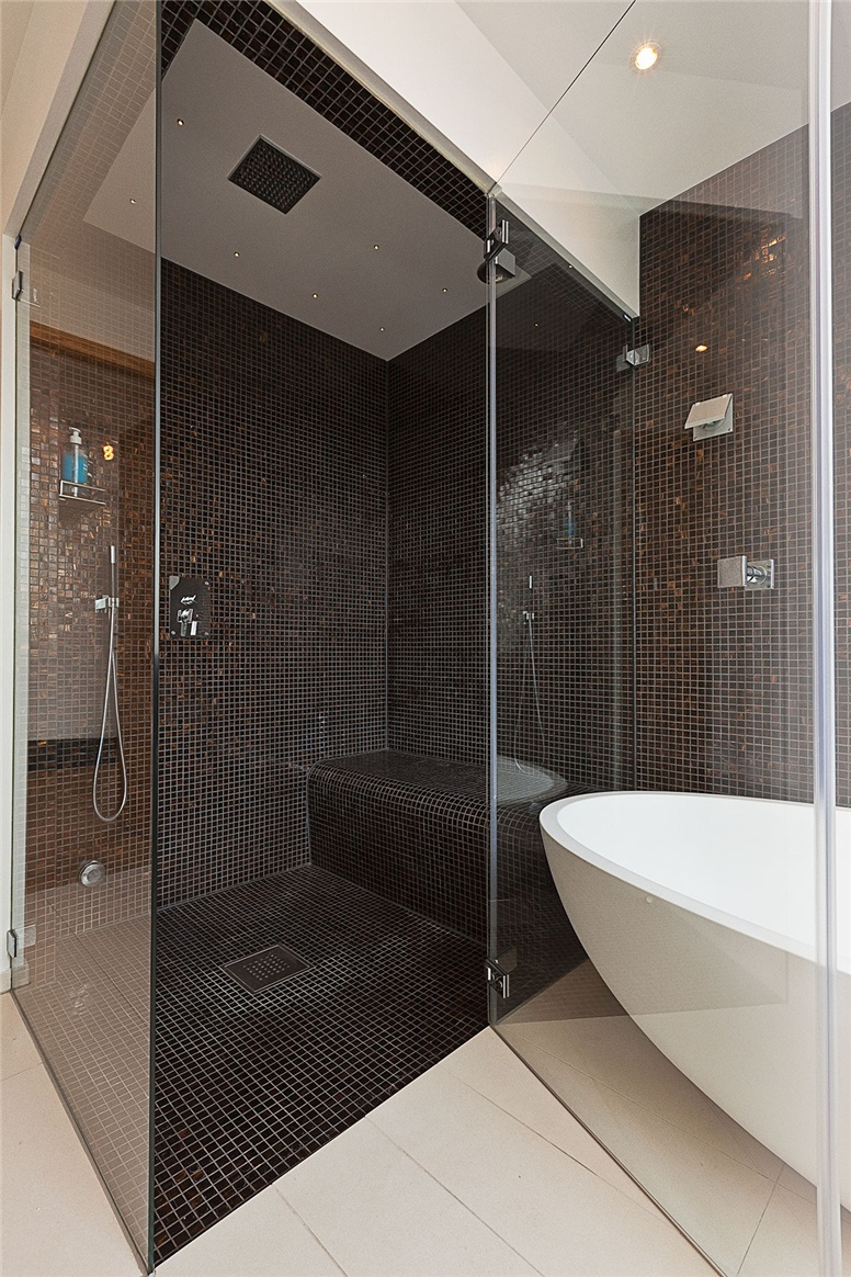 Walk in shower and bath tub decoist Walk in shower designs