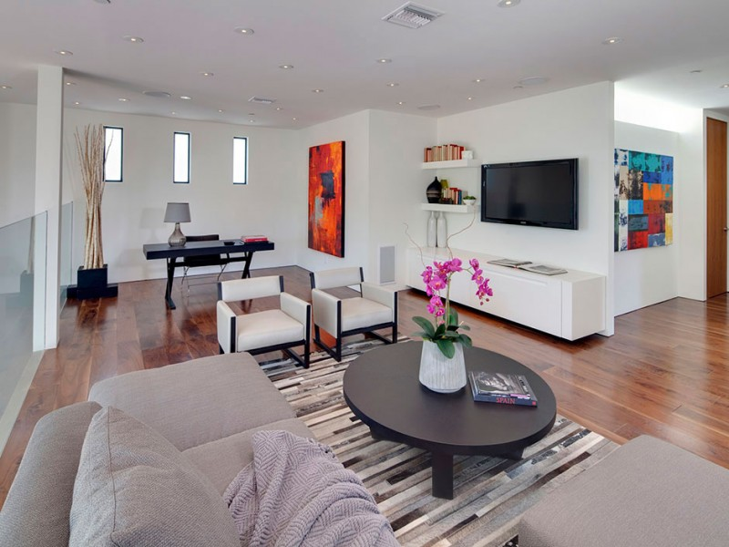white modern beverly hills interior design