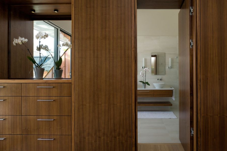 A peek into the stylish bathroom