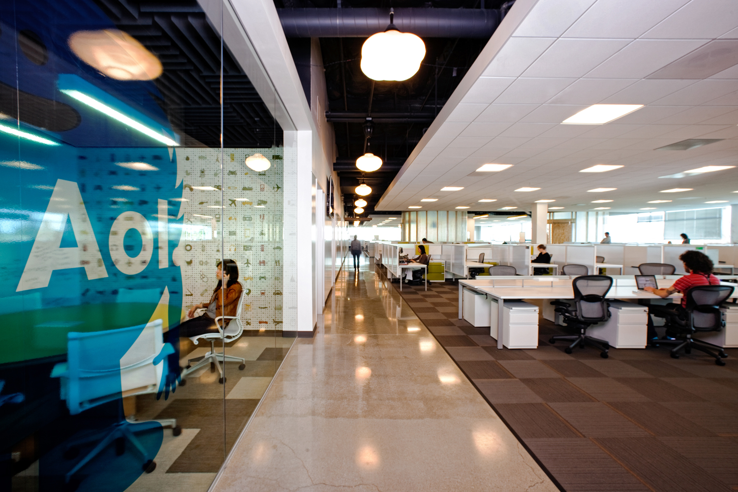 Office designs for tech companies silicon valley for Office area design