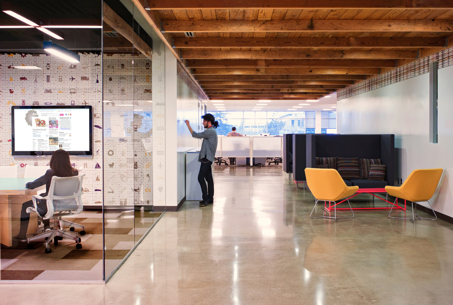 Office designs for tech companies silicon valley for Industrial office interior