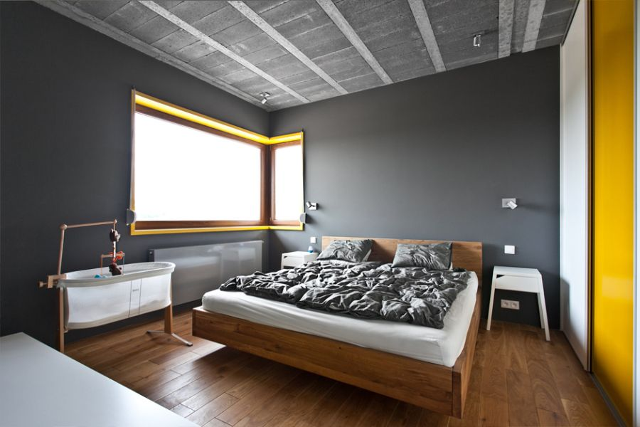 Bedroom with ample natural ventilation