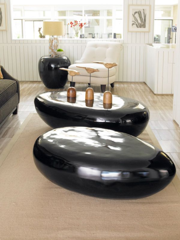 Black River Stone Table brings in plenty of gloss!