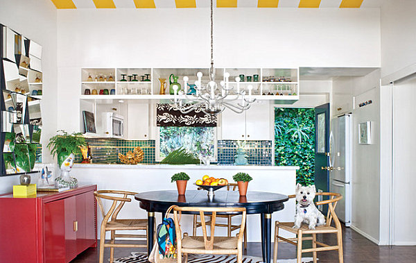 Bold kitchen with greenery