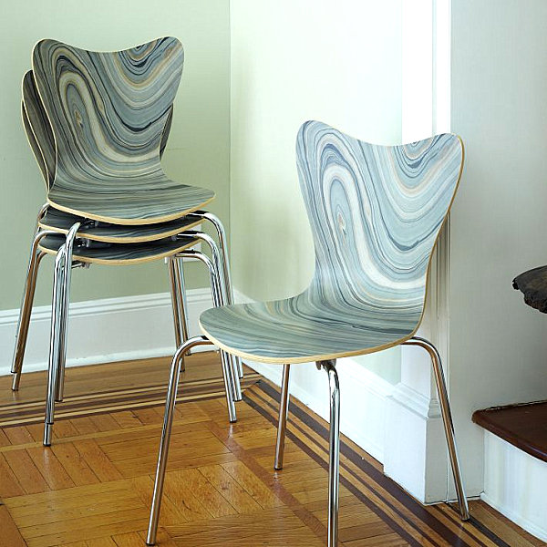 Chair with marbleized effect