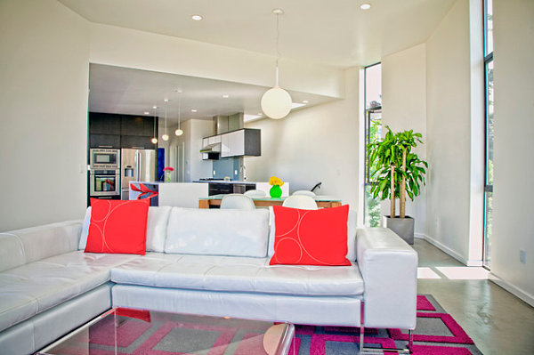Colorful details in a contemporary space