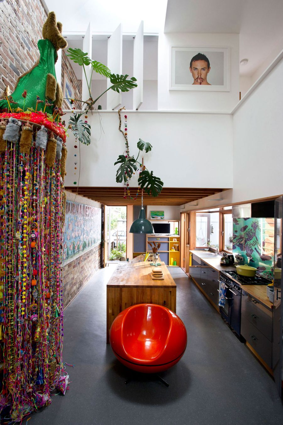 Colorful interiors of the Sydney Residence