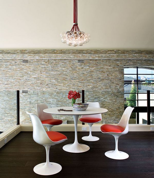 Complete dining set – Tulip chairs along with the table!