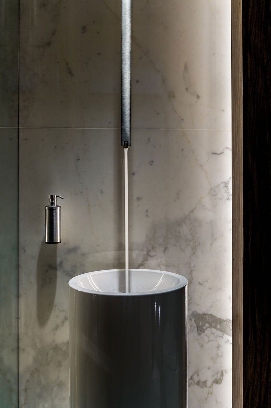 Contemporary bathroom accessories in black and gray