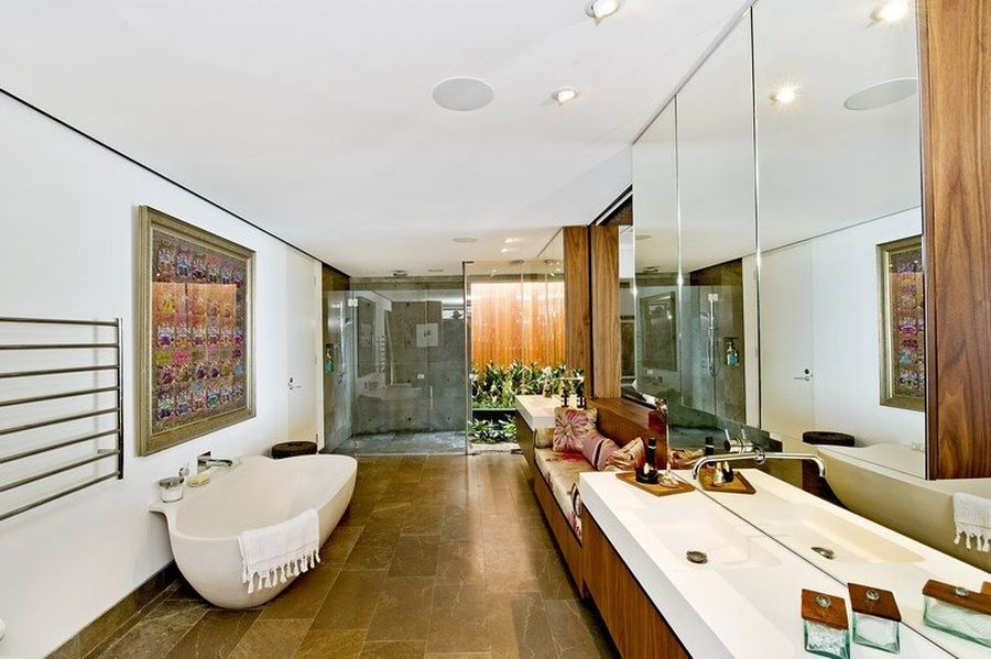 Contemporary bathroom at the Bronte House
