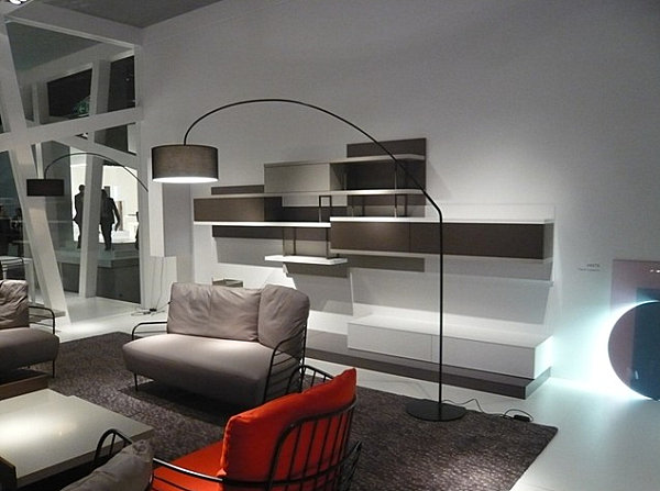 Curved floor lamp in a black and gray space