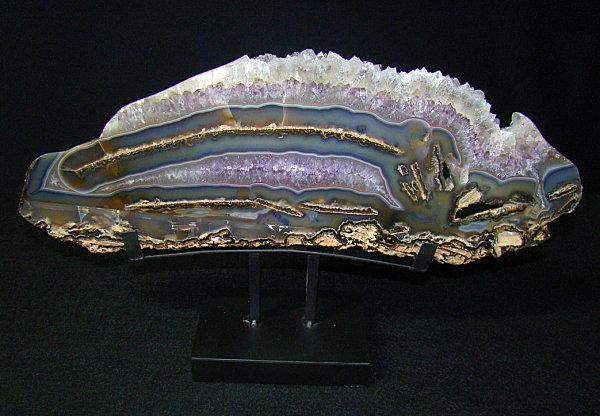 Dazzling mineral sample Agate, Lapis and Quartz: Mineral Decor for a Dazzling Interior