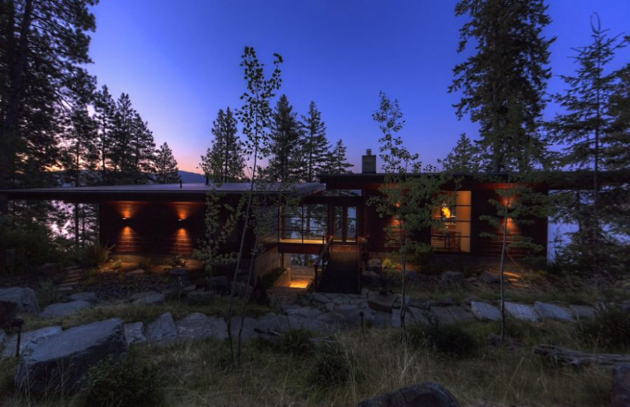 Exterior of the Coeur D'Alene Lake cabin