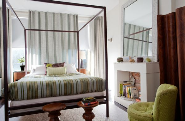 Fit in the four-poster elegantly in a small bedroom