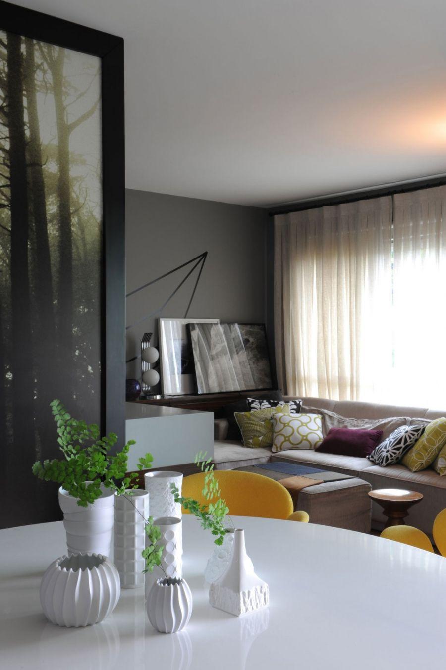 Gray walls make a lovely backdrop