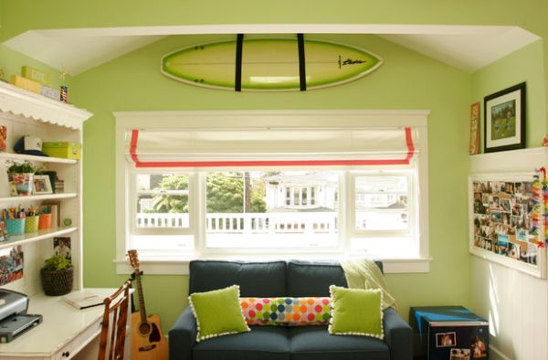 Kids' room with mounted surfboard that dissapears into the background