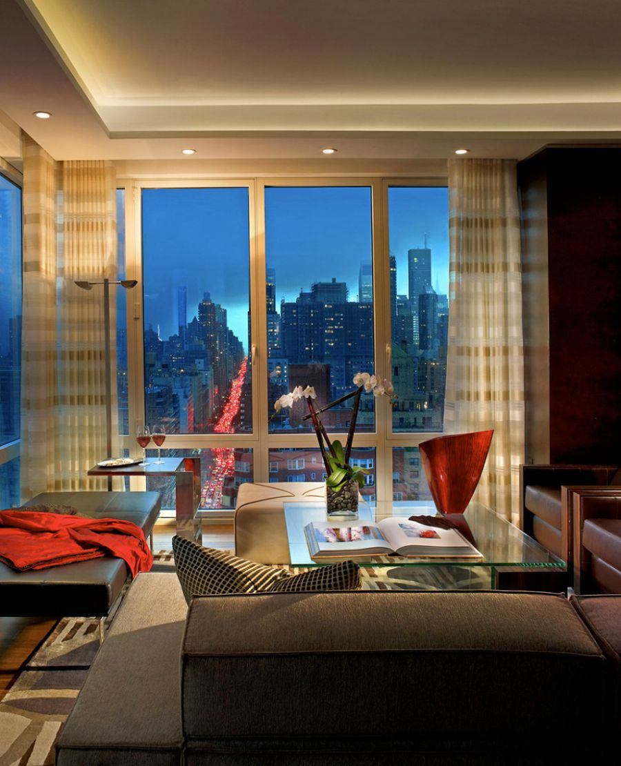 Lovely view of city skyline from the New York apartment