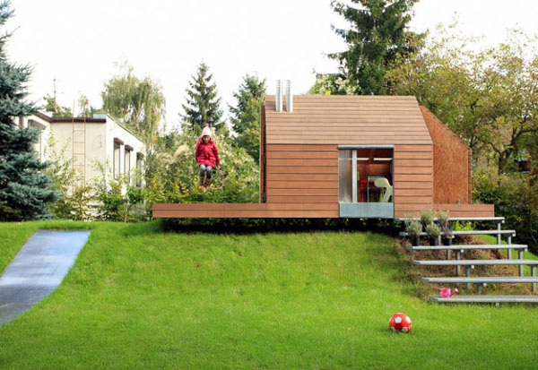 Maja's Wooden House by Ultra Architects (1)