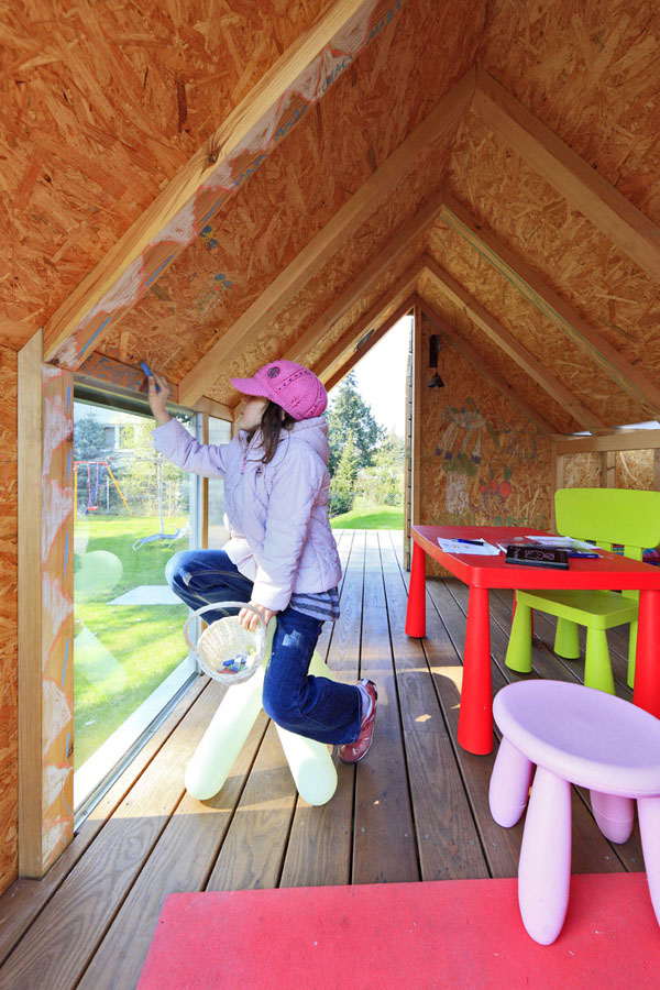 Maja's Wooden House by Ultra Architects (3)