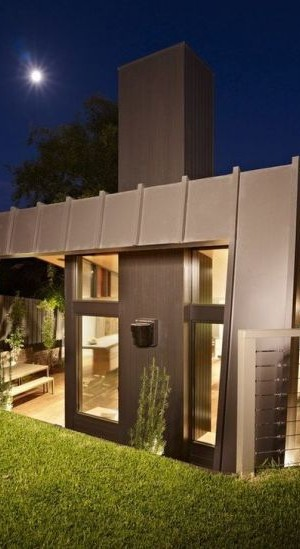 Modern extension to the Kew House in Melbourne