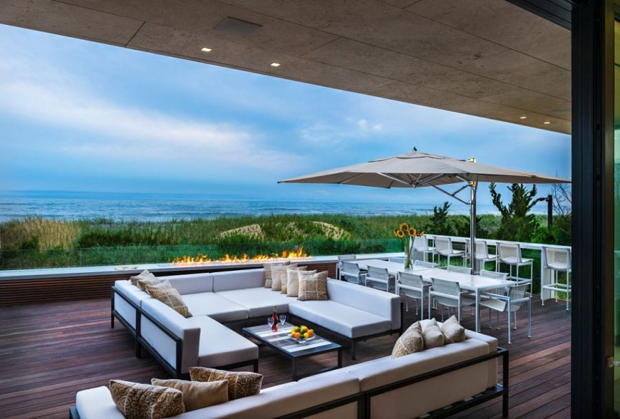 Open fireplace and stunning views of the Atlantic
