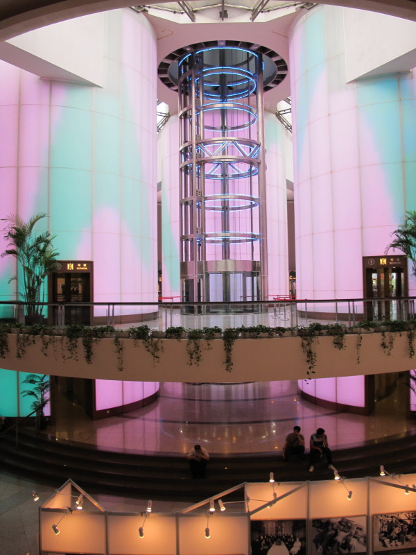 Oriental Pearl 01 e1376941285802 600x800 High Tech Elevators of the World