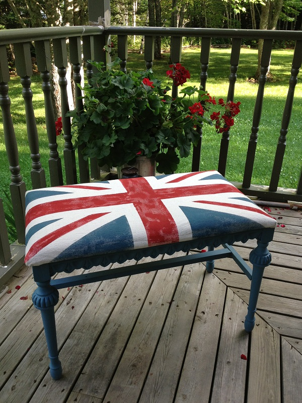 Outdoor bench union jack