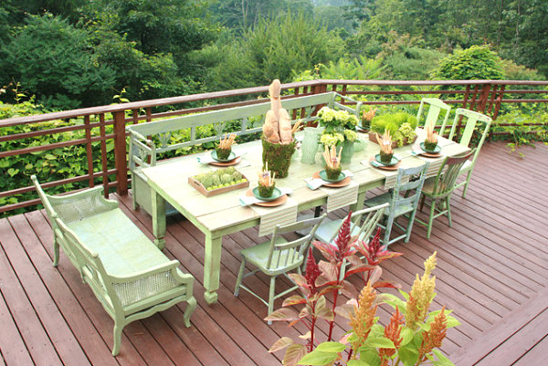 Outdoor table setting with garden style
