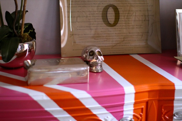 Pink and white union jack dresser
