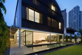 Wind Vault House: Exceptional Façade Meets Exclusive Interiors