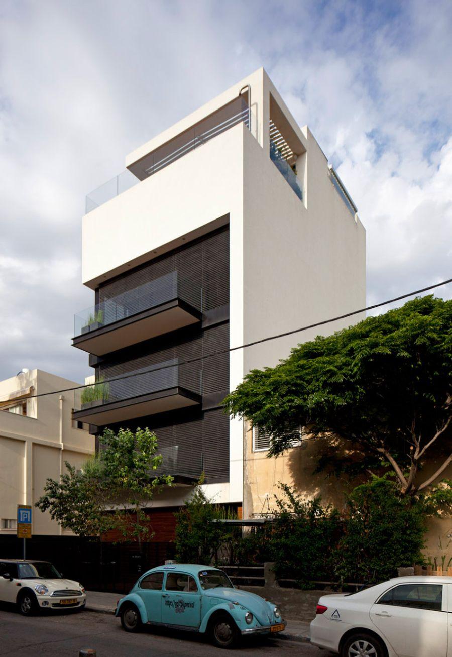 Street facade of Tel Aviv Town House 1