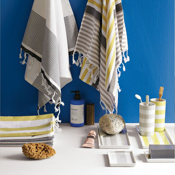 20 rooms with unique decorating details for Blue and gray bathroom accessories