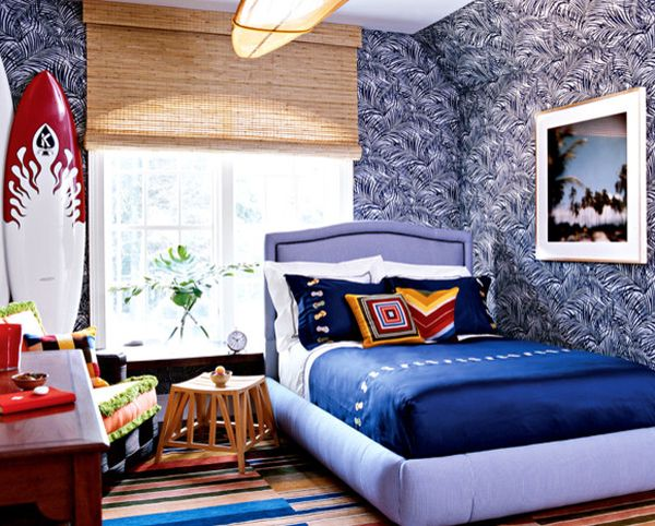 Surfboard adds color to the bright kids' bedroom