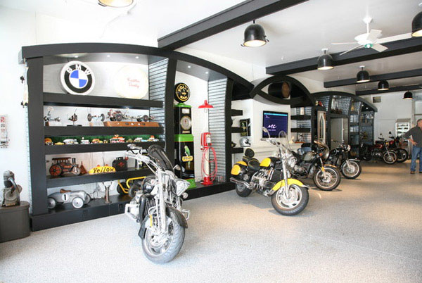 dream motorcycle garages park your ride in style at night. Black Bedroom Furniture Sets. Home Design Ideas
