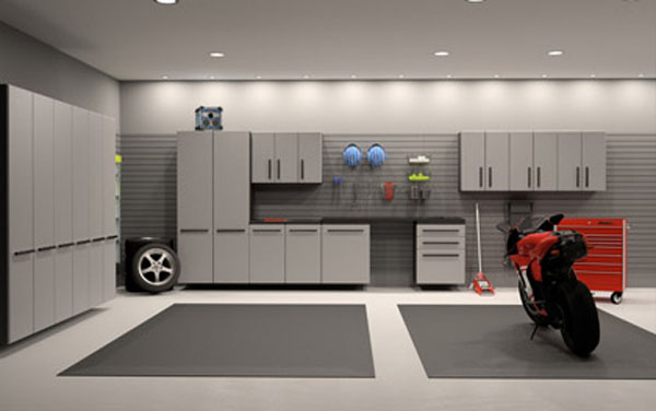 Dream motorcycle garages park your ride in style at night for Interieur garage