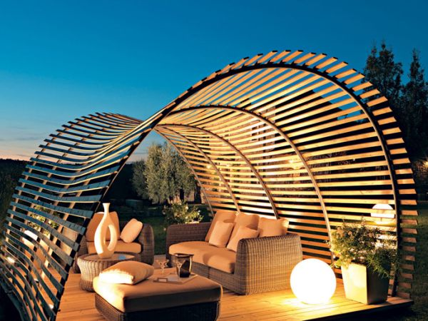 A fascinating twist to the traditional pergola design Shaded To Perfection: Elegant Pergola Designs For The Modern Home
