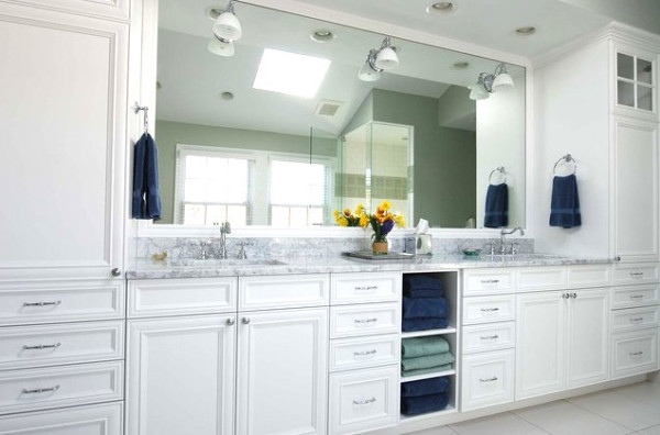 Bathroom with ample storage 600x396 Cool Bathroom Storage Ideas