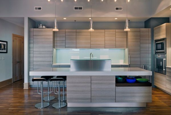 Beautiful contemporary kitchen that showcases the rule of three!