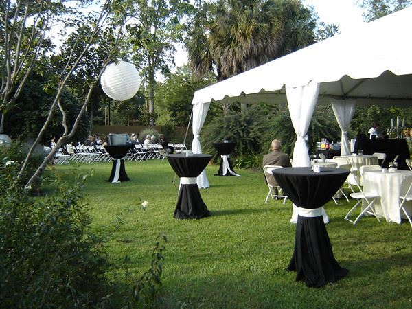 Black and ivory color scheme for a garden wedding