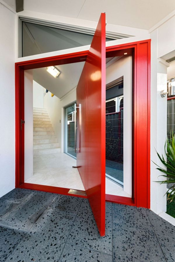 Bright red doorway 10 Feng Shui Tips For A Happy And Harmonious Home