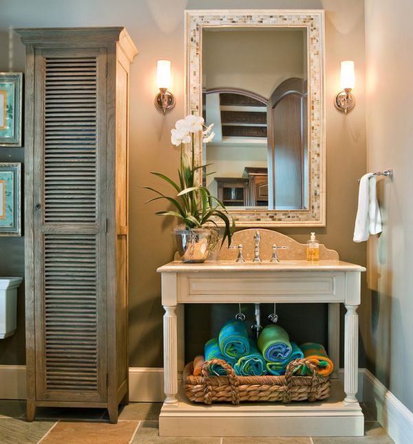 Colorful towel arrangment adds vivacious beauty to the bathroom