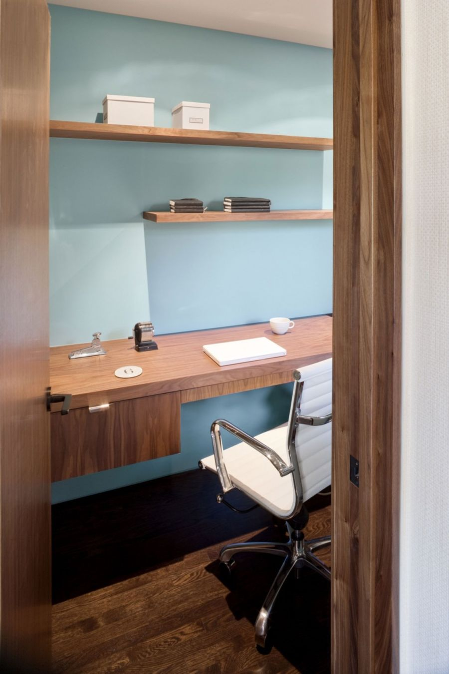 Compact home office design