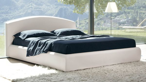 Crisp and minimalist look of the fabulous Florence bed
