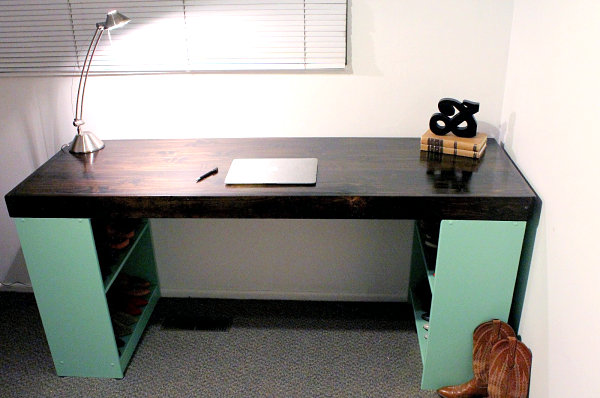 DIY desk with bookshelf legs