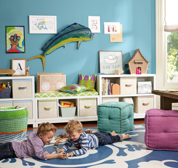 Do not be afraid to bring together a spectrum of colors in the playroom