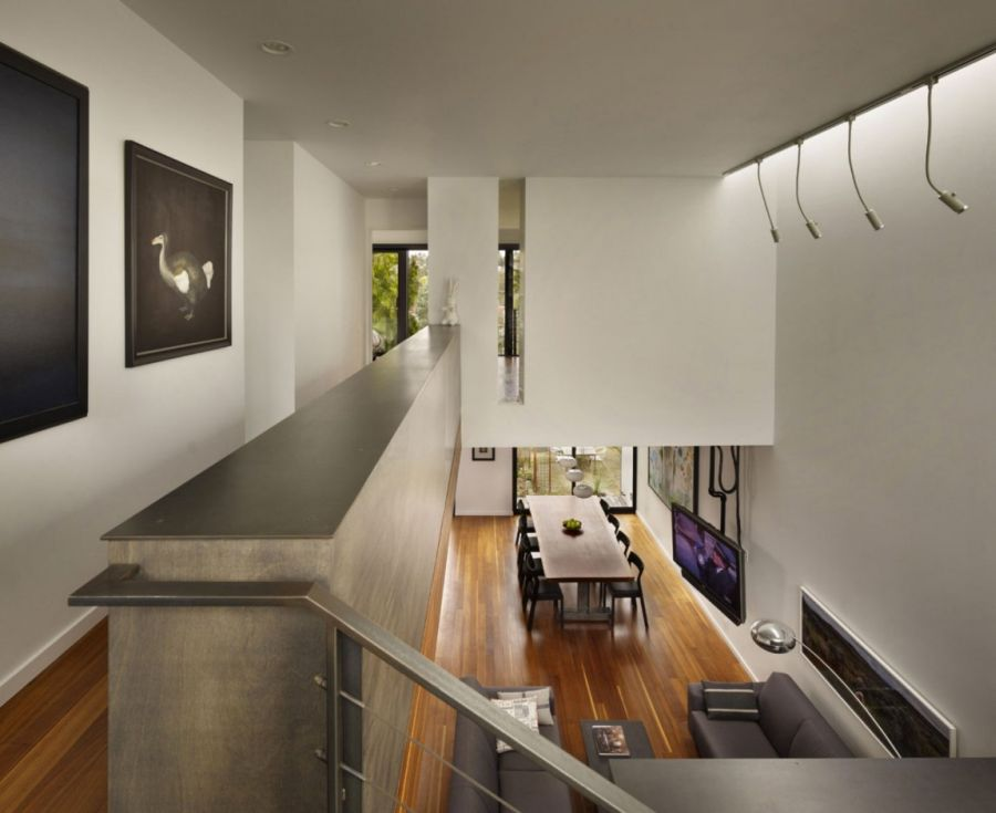 Double high ceiling and linear skylights to illuminate art work