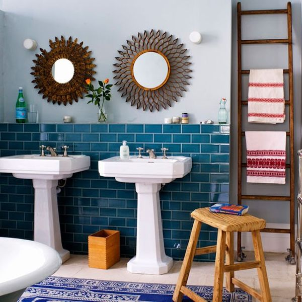 Eclectic and vivid bathroom with plenty of color